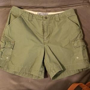 Womens Columbia convert shorts. Size 6